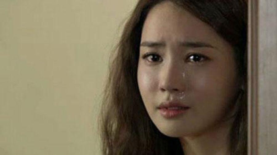 Đêm tân hôn tôi khóc như mưa chỉ muốn ôm quần áo chạy khỏi nhà chồng ngay lập tức vì quá nhục nhã