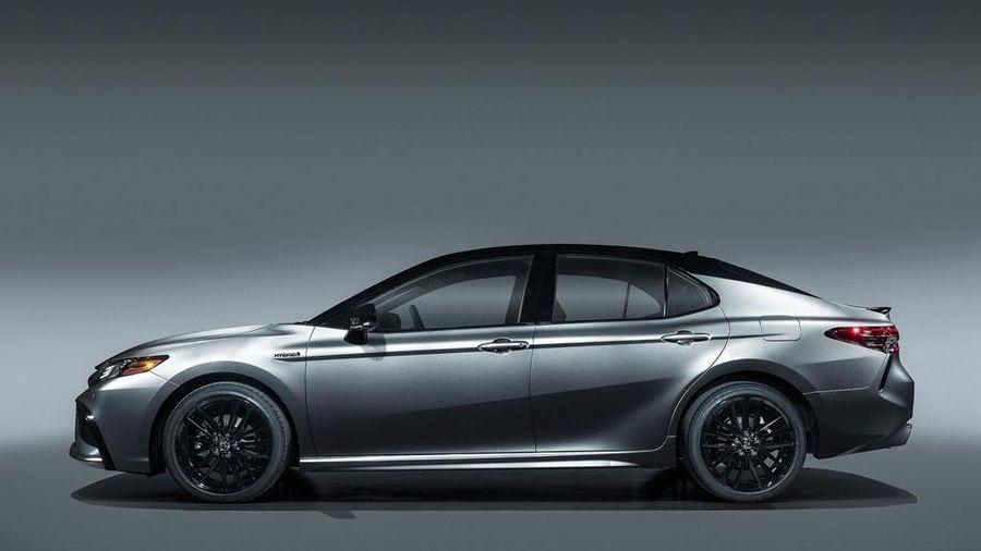 8 xe sedan cỡ trung tốt nhất năm 2021: Toyota Camry, Mazda6 góp mặt