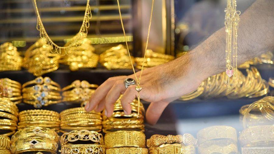 Giá vàng hôm nay 9/3: Giá vàng thế giới lao dốc, giá vàng trong nước ổn định
