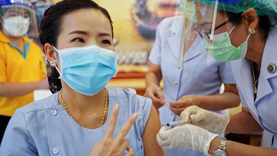 Doanh nghiệp tư nhân Thái Lan muốn tự nhập vaccine Covid-19 để tiêm cho giới giàu
