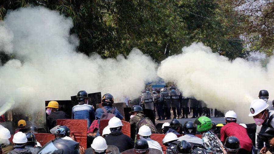 An ninh Myanmar thả hơn 200 người biểu tình
