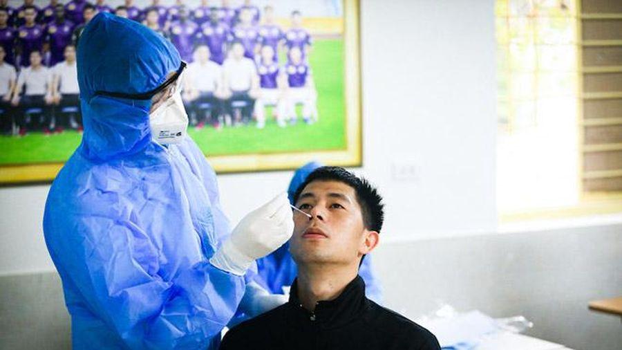 Đề xuất tiêm vắc xin ngừa Covid-19 cho các cầu thủ của 3 câu lạc bộ bóng đá