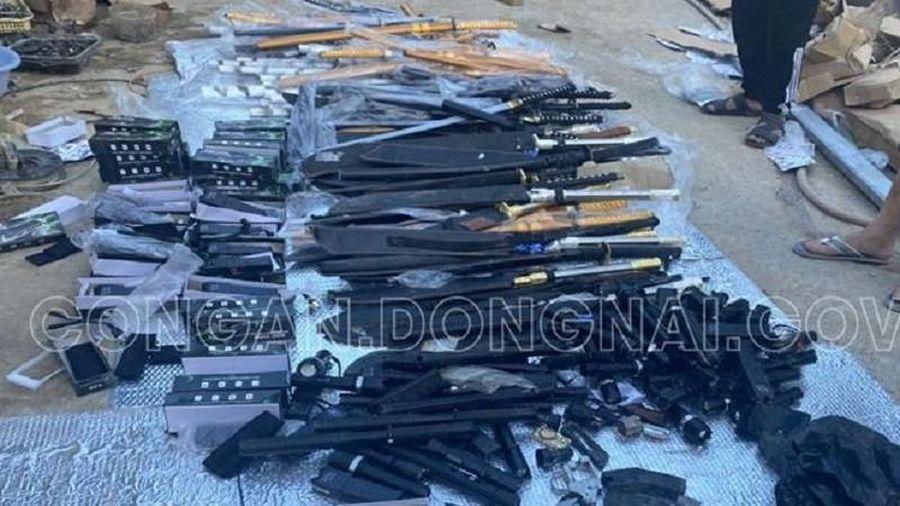 Đồng Nai: Bắt ổ ma túy đá, phát hiện nhiều vũ khí