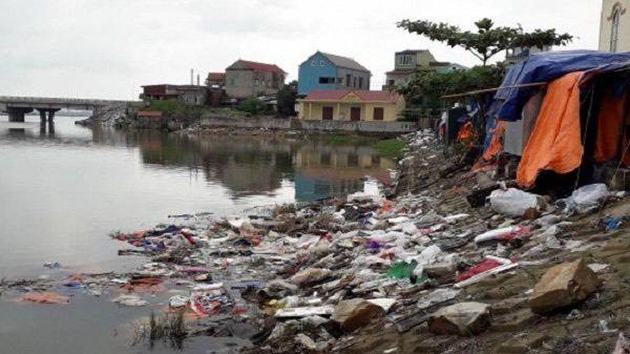 Quảng Bình: Nhiều khó khăn trong hoạt động thu gom, xử lý rác thải
