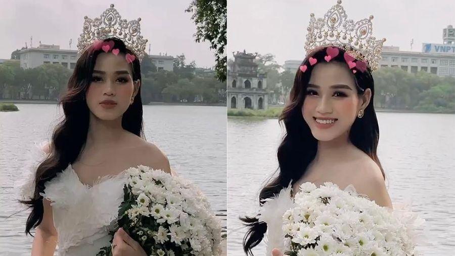 Hoa hậu Đỗ Thị Hà đội vương miện lộng lẫy, khoe vai trần quyến rũ