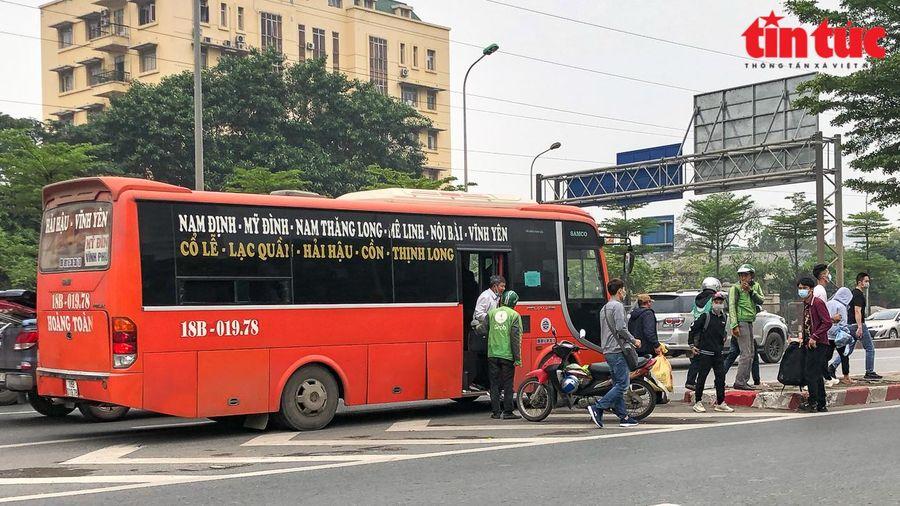 Cấm nhà xe liên tỉnh bỏ bến để chở khách hợp đồng