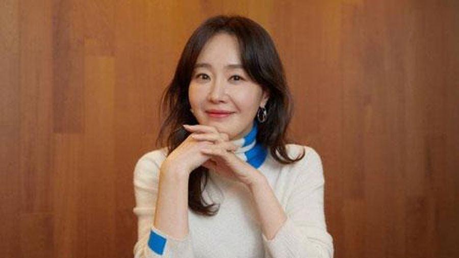 Nữ diễn viên phim 'Hope' tuyên bố ly hôn với người chồng sống ở Việt Nam