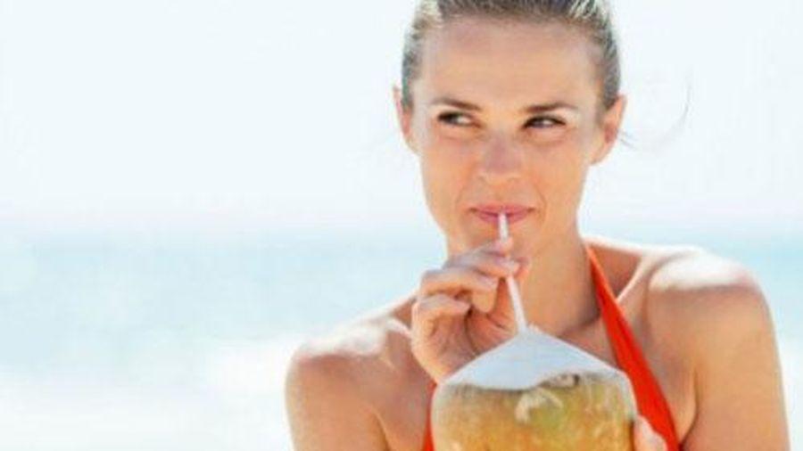 Nước dừa 'tiên dược' cho sức khỏe cả đời không lo ốm đau, bệnh tật