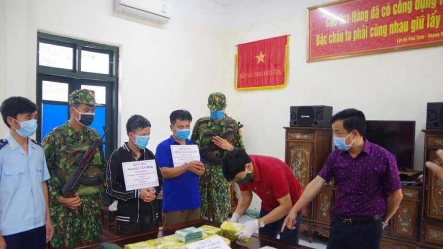 Hà Tĩnh bắt giữ 2 đối tượng vận chuyển 11kg ma túy