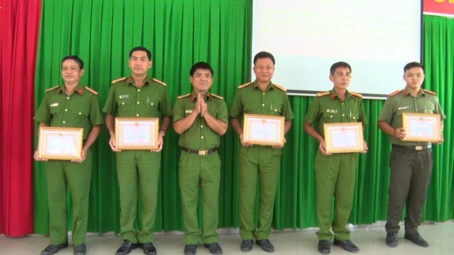 Công an huyện Phú Tân tổng kết đợt cao điểm tấn công, trấn áp tội phạm