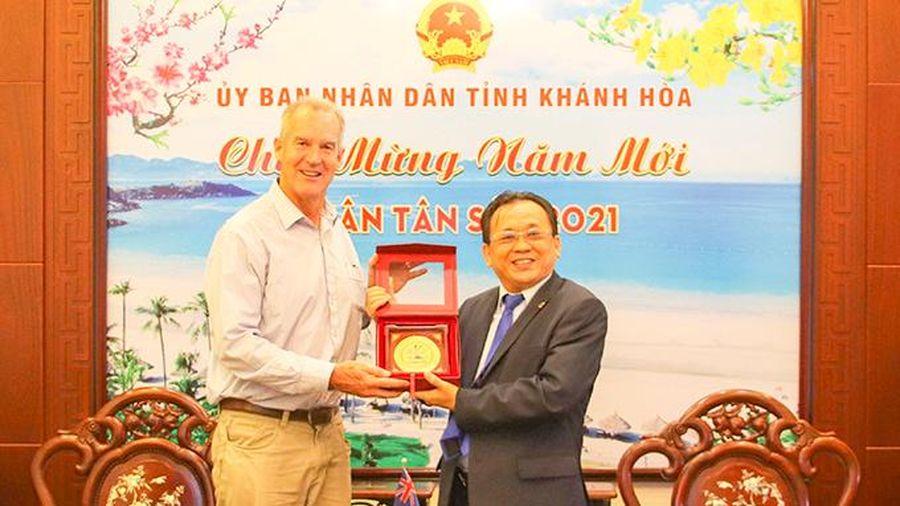 Lãnh đạo tỉnh Khánh Hòa tiếp xã giao Phó Đại sứ Úc tại Việt Nam