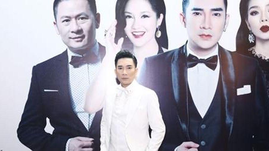 Quang Hà làm liveshow sau vụ cháy sân khấu 2 năm trước