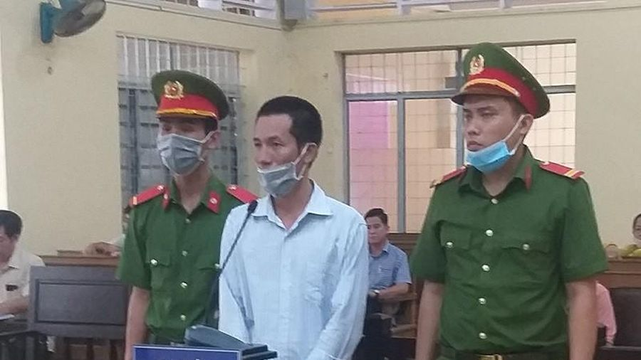 Phạt tù 2 bị cáo đưa người nhập cảnh trái phép bằng tàu cá