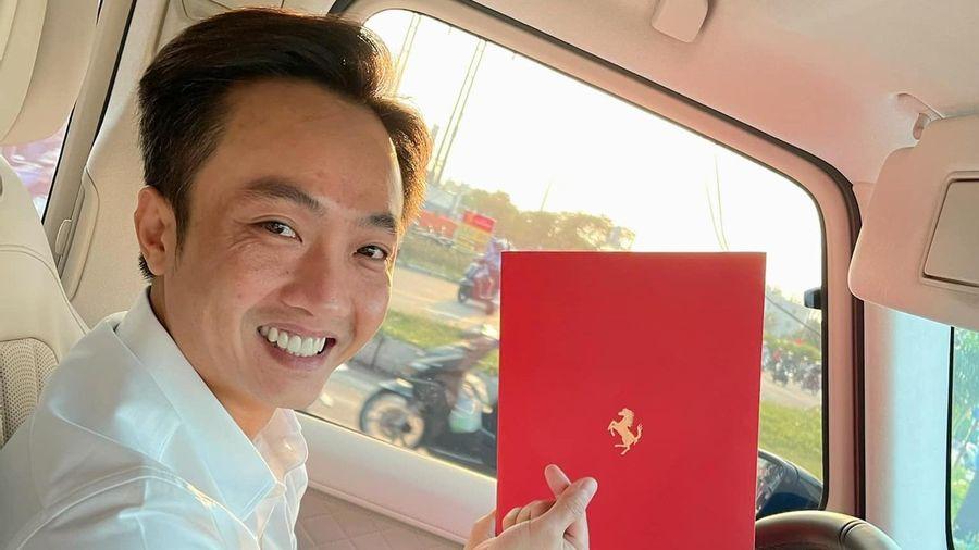 Doanh nhân Nguyễn Quốc Cường đặt mua siêu xe Ferrari
