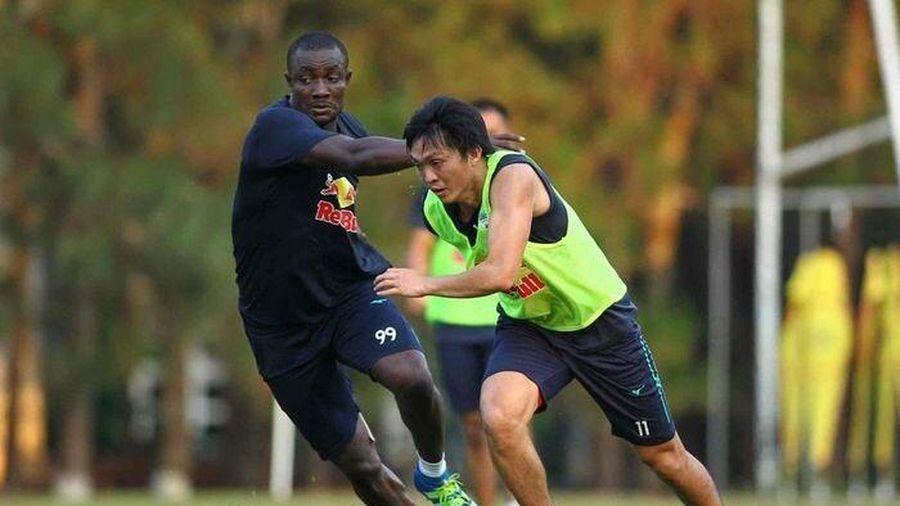 HLV Kiatisak đón tin vui trước trận đấu với Hà Nội FC