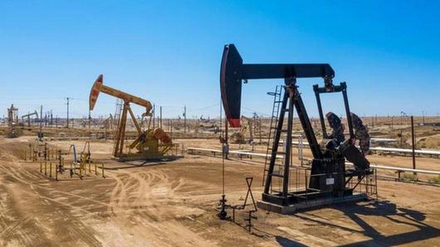 Dầu thô tăng mạnh, vọt lên mức 66 USD/thùng