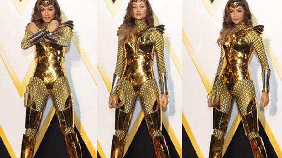 Những màn biến hình với trang phục siêu nhân của mỹ nhân Việt nhận 'cơn mưa' lời khen