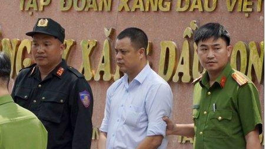 Ông Lương Đình Tiến, Giám đốc Công ty Xăng dầu Long An bị bắt