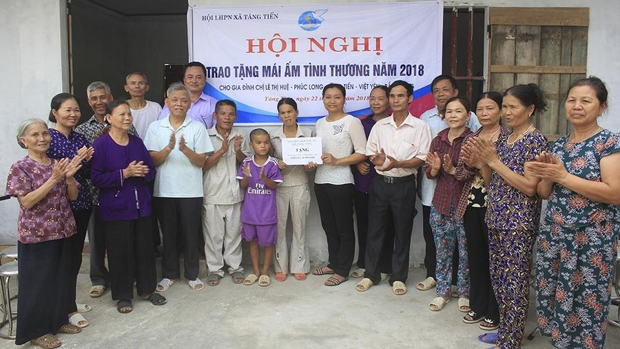 Hội LHPN tỉnh Bắc Giang khen thưởng 50 tập thể, cá nhân tiêu biểu trong học và làm theo Bác