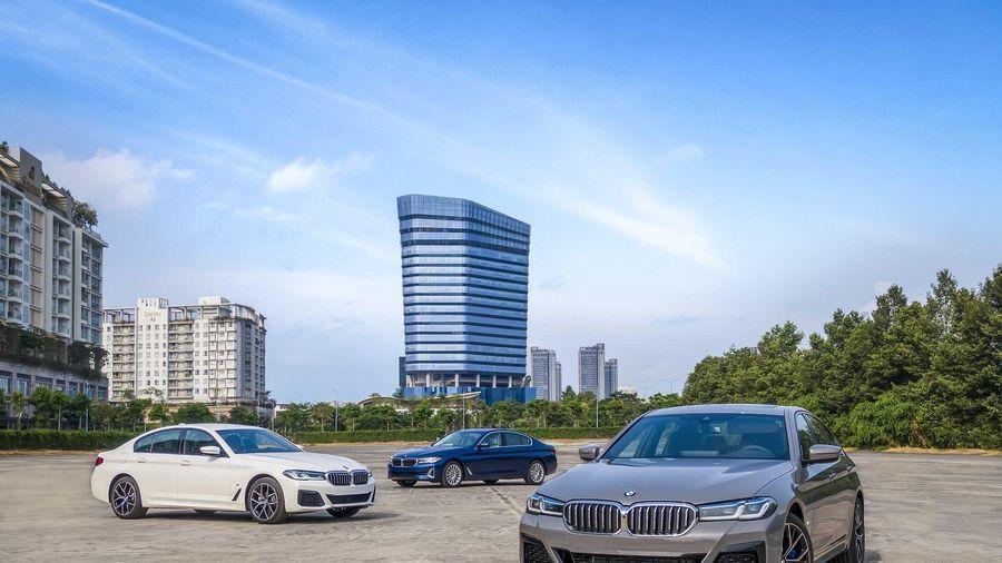 BMW 5-Series mới ra mắt thị trường Việt Nam: Giá từ 2,5 tỷ đồng, 3 phiên bản đi kèm nhiều trang bị