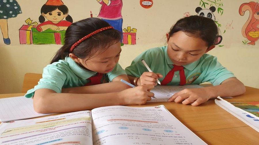 Câu chuyện đong đầy cảm xúc về học sinh nghèo mong trở thành cô giáo cắm bản