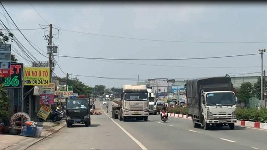 Bình Dương: Container cán một người tử vong