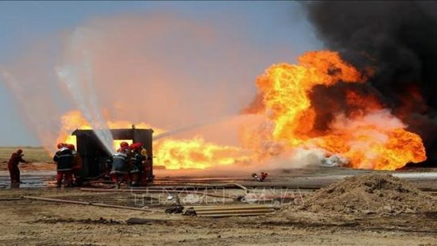 Phiến quân sử dụng thuốc nổ tấn công hai giếng dầu ở miền Nam Iraq