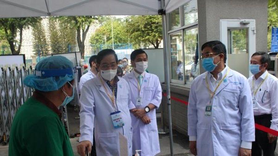Giả định có ca COVID-19 để kiểm tra cách xử trí tại bệnh viện tiếp nhận người khám lớn nhất Việt Nam