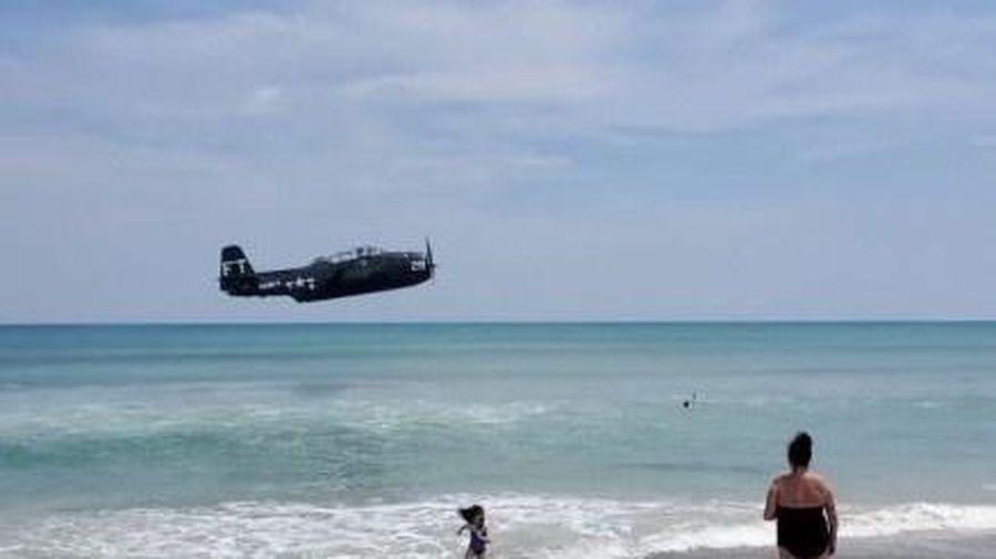 Máy bay hạ cánh khẩn cấp xuống biển ở Florida