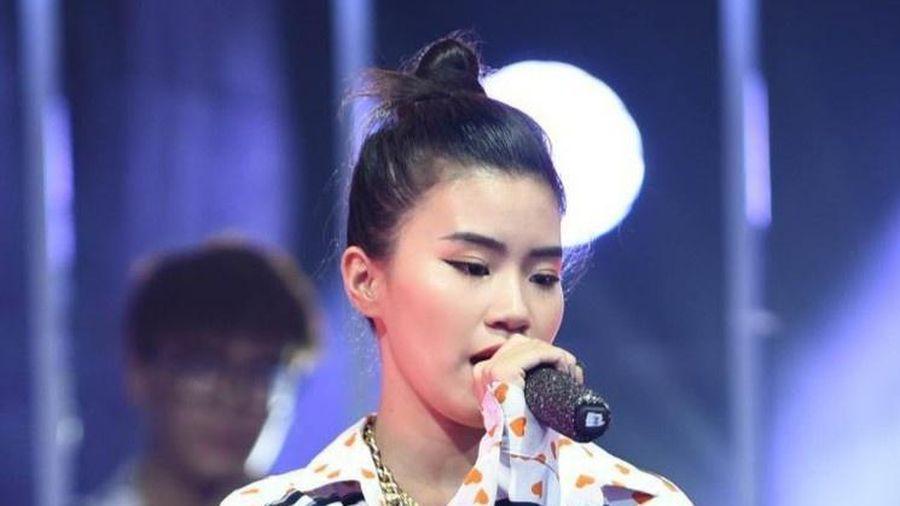 Rapper Pháo gặp tai nạn sân khấu