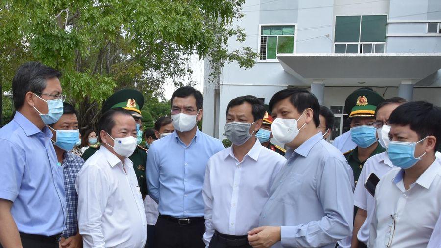 Bộ trưởng Y tế: Kiên Giang cần chuẩn bị tất cả các tình huống xấu nhất
