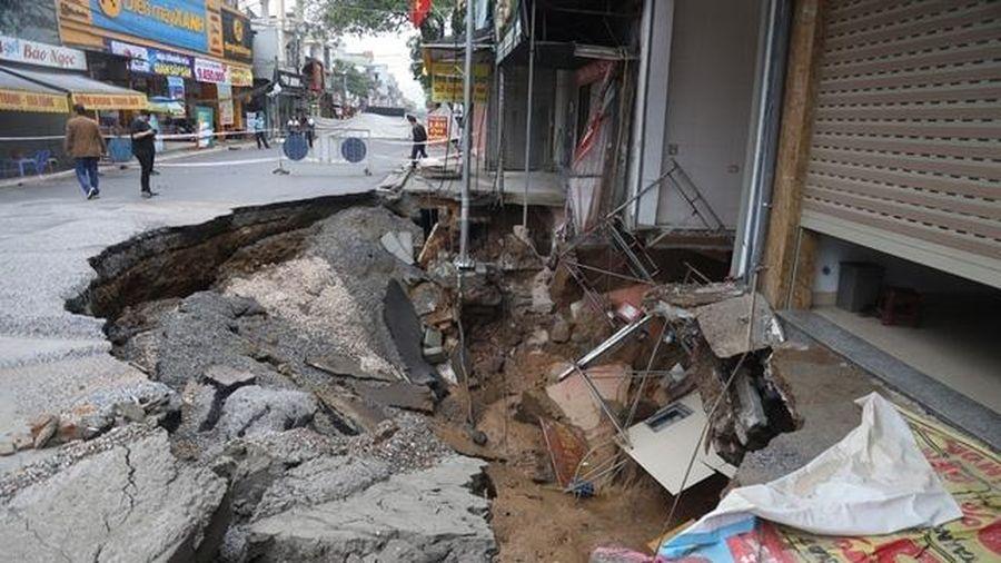 Hà Nội tập trung khắc phục hậu quả, xử lý vụ sụt đất tại huyện Chương Mỹ