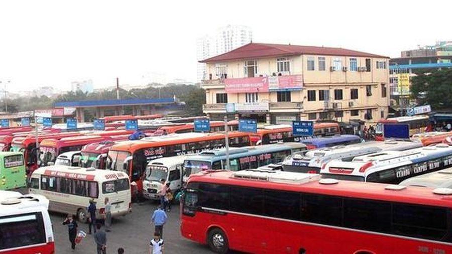 Hà Nội: Bỏ bến dài ngày, nhiều xe bị cắt 'nốt' hoạt động