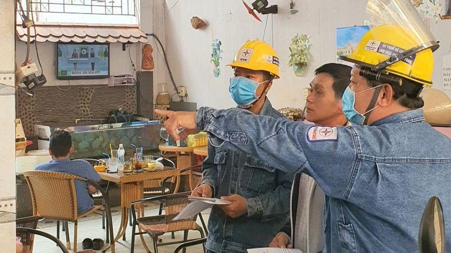 TP. Hồ Chí Minh: Nhiều giải pháp đảm bảo an toàn điện mùa mưa