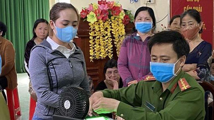 Công an TP Cần Thơ tổ chức cấp căn cước công dân có gắn chíp 24/24 giờ trong ngày