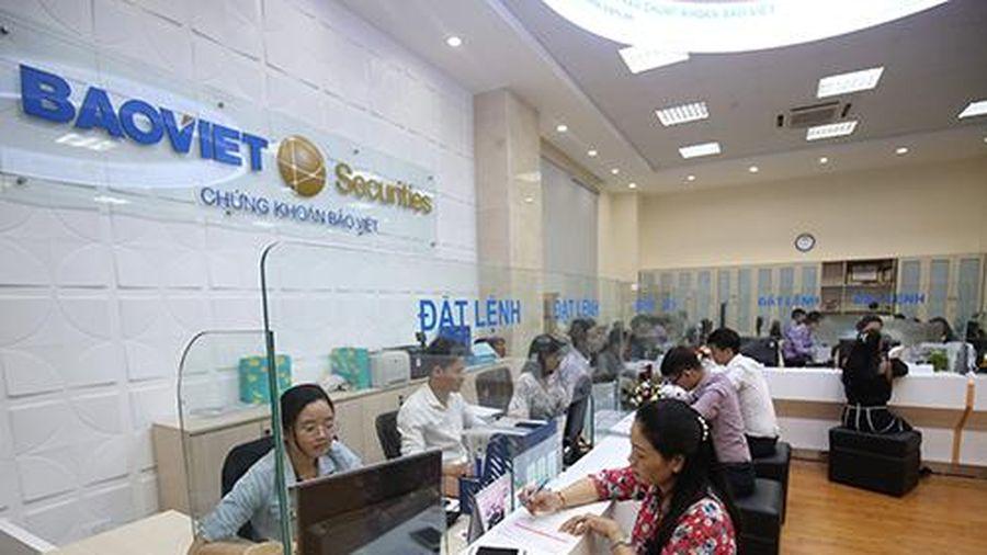 Nhiều cổ phiếu Việt vẫn ở vùng giá hấp dẫn so với khu vực