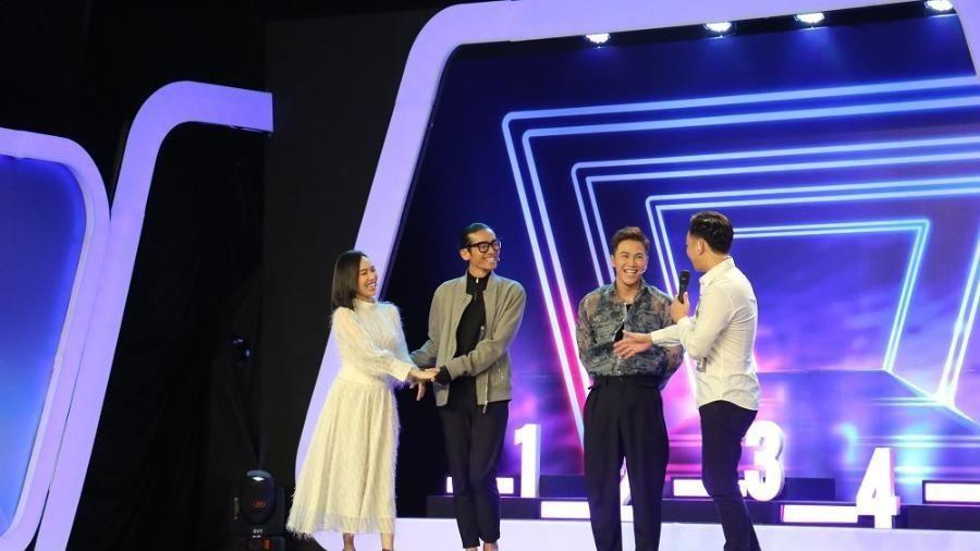 BB Trần tặng 5 triệu đồng cho nghệ sĩ cải lương Minh Hòa