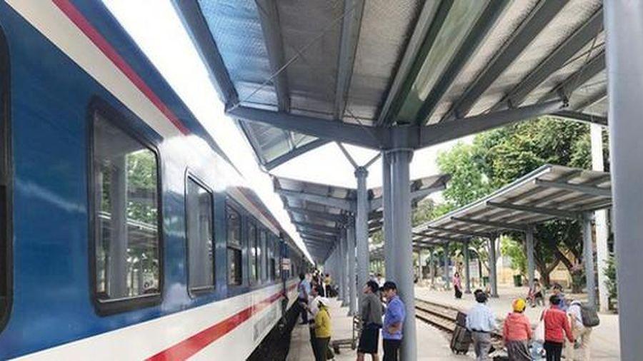 Đường sắt giảm mạnh giá vé dịp hè