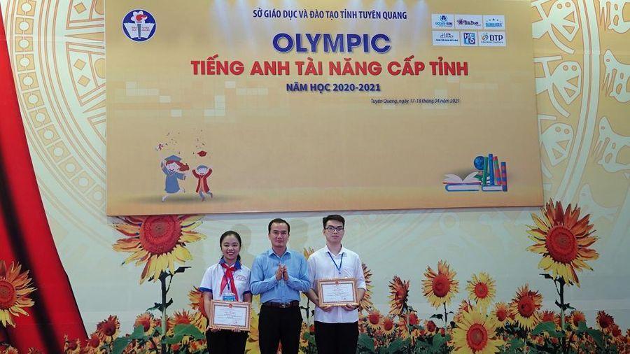 Giao lưu Olympic tiếng Anh tài năng dành cho HS trung học Tuyên Quang