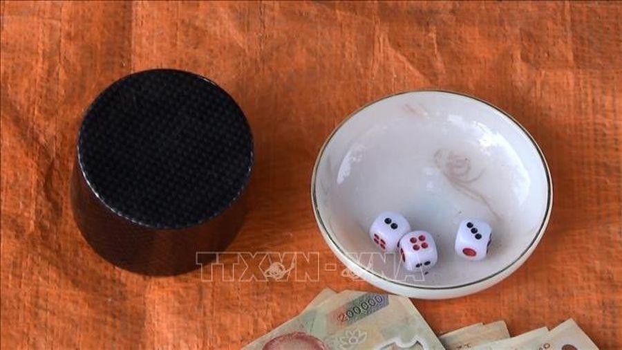 Triệt phá sòng bạc hoạt động tinh vi ở thị trấn Long Thành