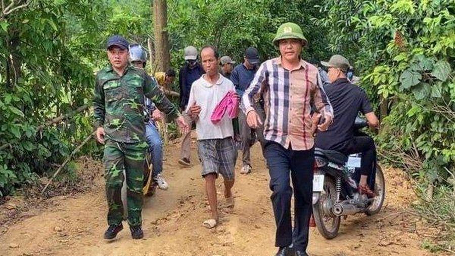 Hàng trăm cán bộ công an bao vây quả đồi bắt phạm nhân trốn trại