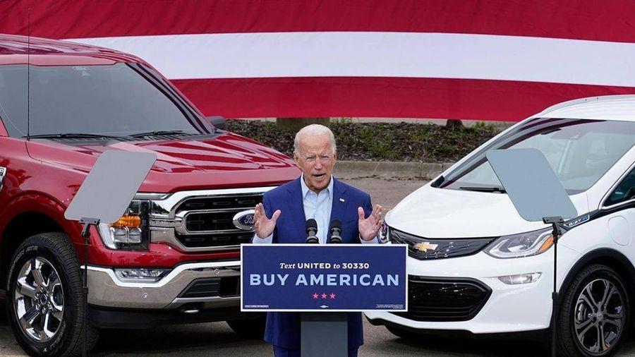 174 tỷ USD có đủ để ông Joe Biden làm 'cách mạng xe điện'?