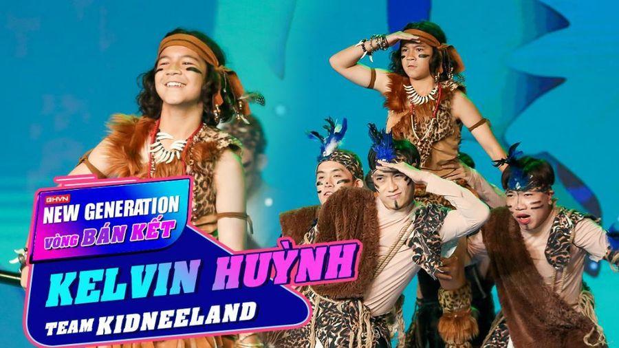 Kelvin Huỳnh hóa Tarzan khuấy đảo sân khấu Bán kết khiến Ông Cao Thắng nhớ đến con gái cưng Winnie