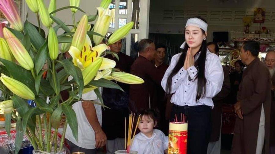 Linh Lan bức xúc nhắc tới vợ cũ Vân Quang Long: 'Yêu cầu Ái Vân không cử thêm bất cứ người nào tới nữa'