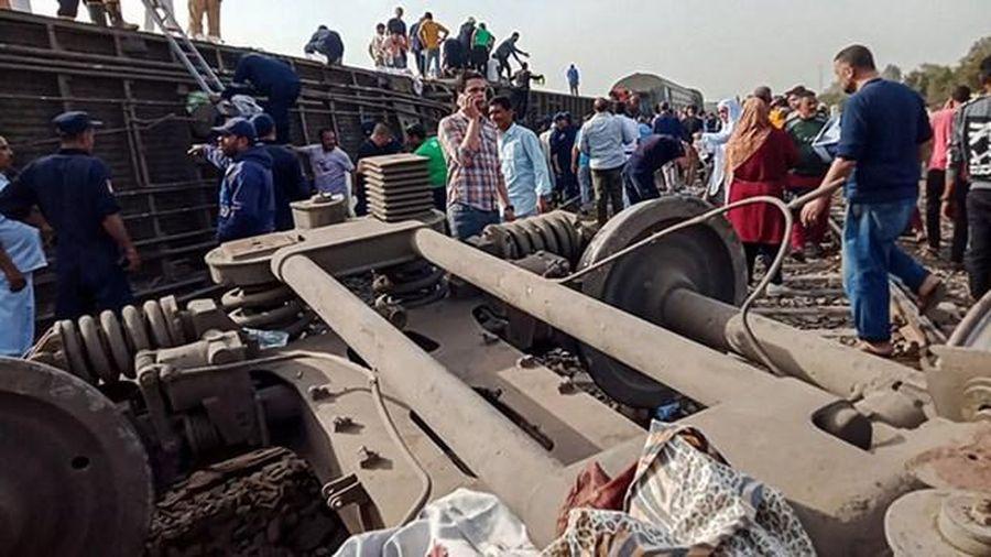 Ai Cập: Tàu trật bánh, hơn 100 người thương vong