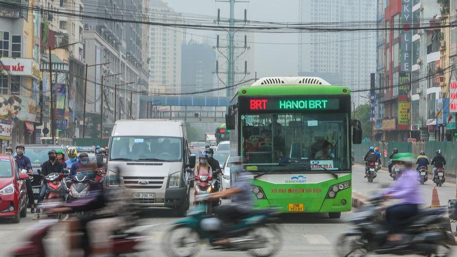 Buýt nhanh BRT Hà Nội càng chạy càng lỗ