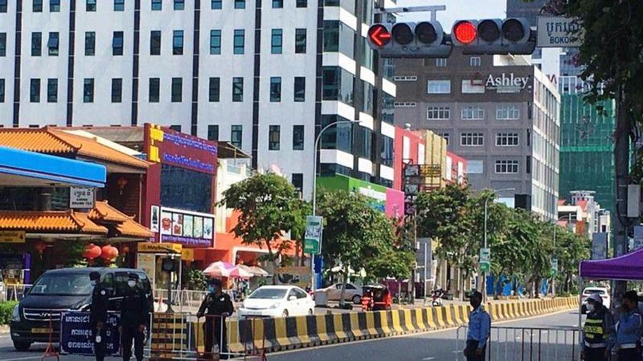 Campuchia ngừng quảng cáo đồ uống có cồn để phòng, chống dịch Covid-19