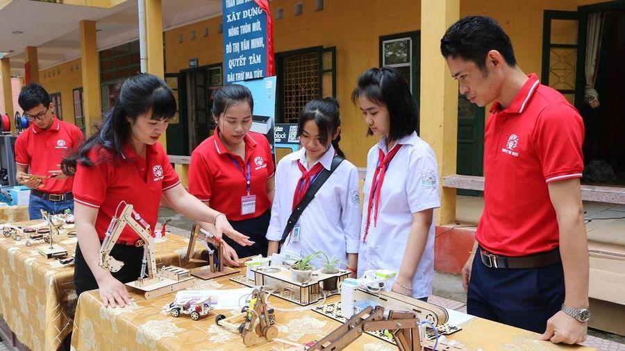 Khơi nguồn sáng tạo cho học sinh qua trải nghiệm STEM