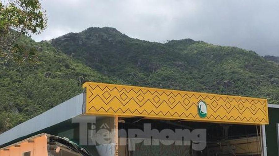 Nha Trang cưỡng chế loạt cửa hàng xây trái phép đón khách Trung Quốc từ ngày 22/4