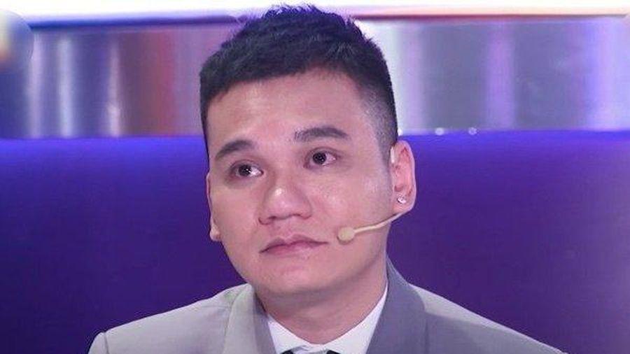 Khắc Việt gặp sự cố, nhập viện cấp cứu trong đêm